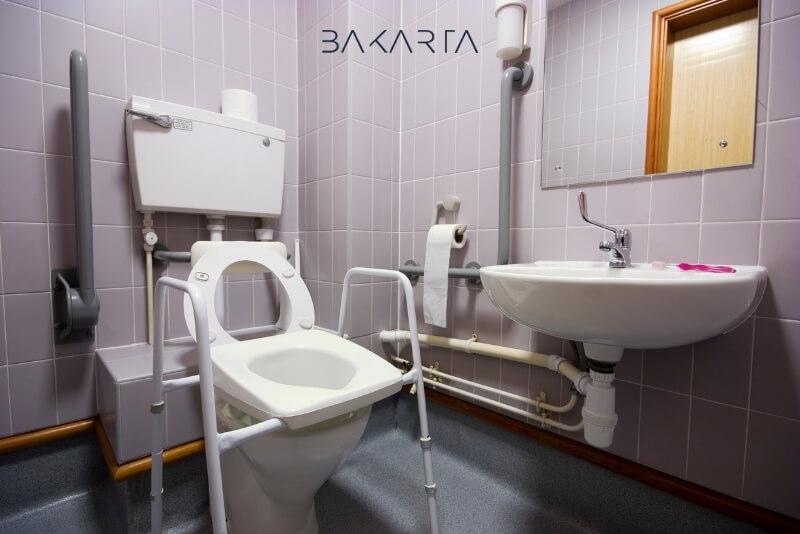 Baños: normativas especiales de accesibilidad