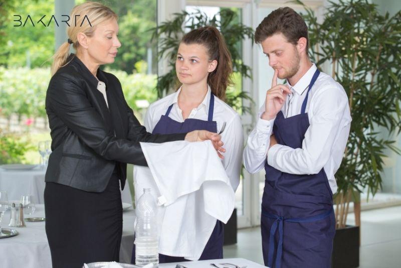 ¿Cómo contratar a empleados en un restaurante?