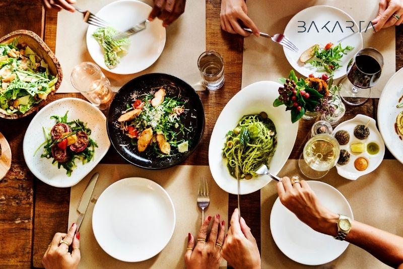¿Cuánto es el IVA en los restaurantes?